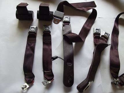 Complete Seat Belt Set Fonrt / Rear Burgundy Claret 1978 - 1987